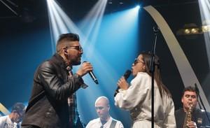 Felipe Pezzoni, da Banda Eva, e Anitta ensaiam no Música Boa Ao Vivo