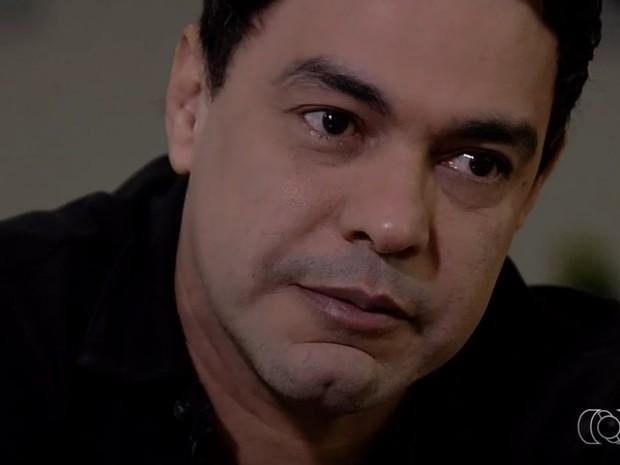 Zezé se emociona ao falar de Cristiano Araújo, em Goiás (Foto: Reprodução/TV Anhanguera)