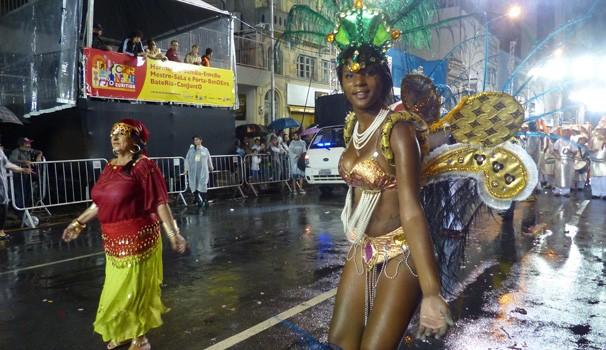 As passistas mostram o samba no pé (Foto: Divulgação/ RPC)