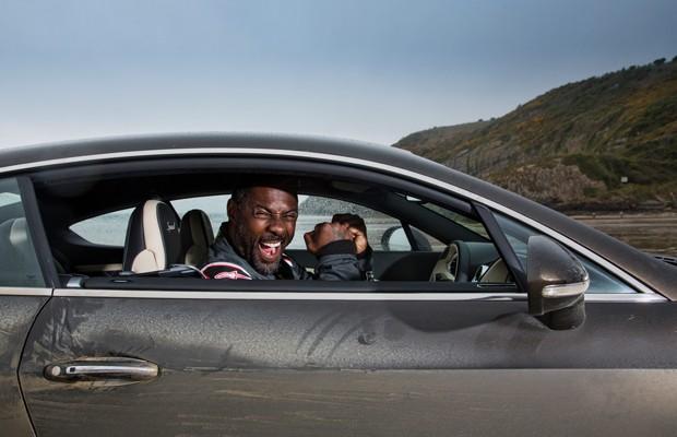 O ator Idris Elba bate recorde de velocidade com um Bentley GT Speed Continental (Foto: Divulgação)