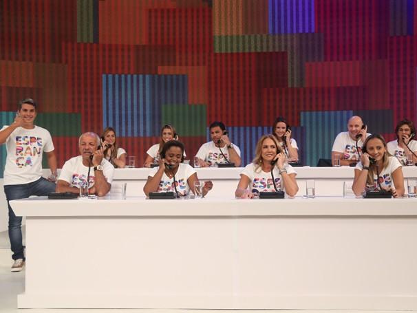 Mesão da Esperança neste domingo, último dia de doações por telefone para o Criança Esperança (Foto: Globo/Paulo Belote)