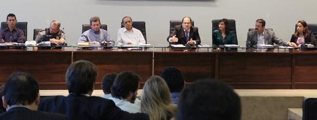 Reunião reuniu representantes dos órgãos que vão fiscalizar as campanhas (Foto: Krystine Carneiro/G1)
