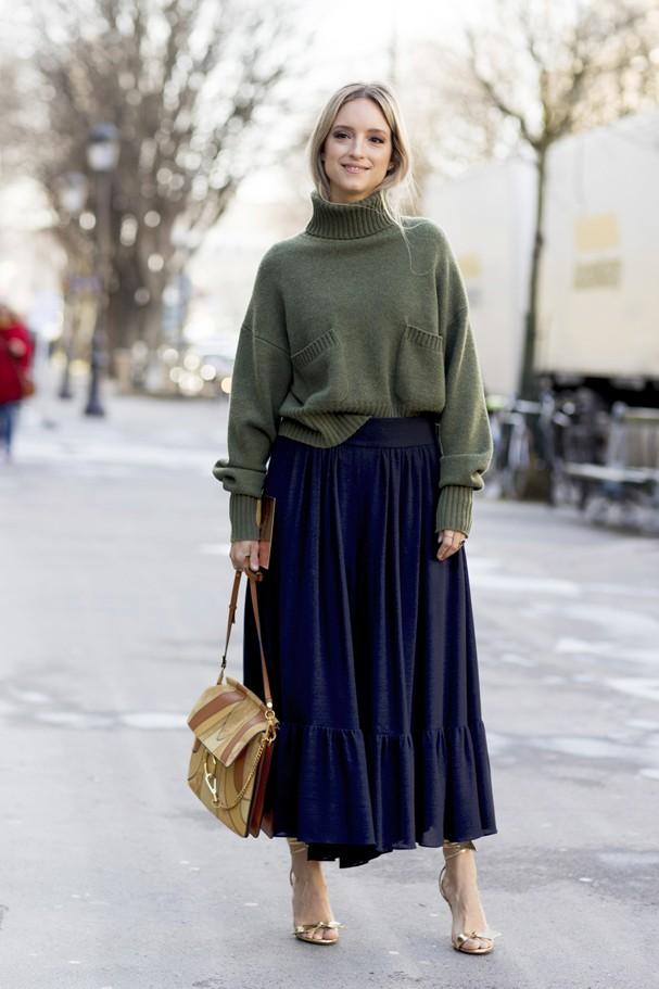 11 inspirações para deixar o look de trabalho mais estiloso no inverno (Foto: IMaxTree)