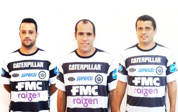 Marlon (35 anos), Givanildo (32) e Carlão (33); juntos, formam o trio centenário do XV  (Foto: Bernardo Medeiros / Globoesporte.com)