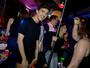 Festa no ônibus, memes políticos e ensaio sensual depois de divórcio são temas do 'EMME', 20