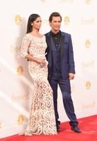Camila Alves e Matthew McConaughey desfilam no red carpet