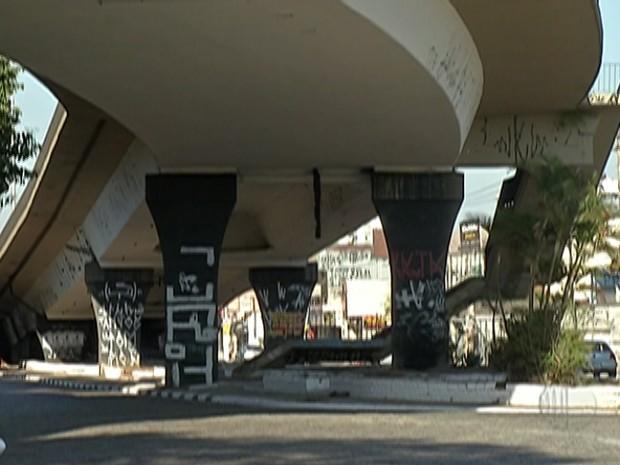 Viaduto em Suzano (Foto: Reprodução/TV Diário)