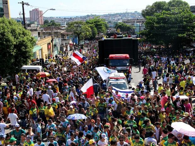Já na concentração, Marcha Para Jesus reunia um grande público, em Manaus (Foto: Marcos Dantas/ G1 AM)
