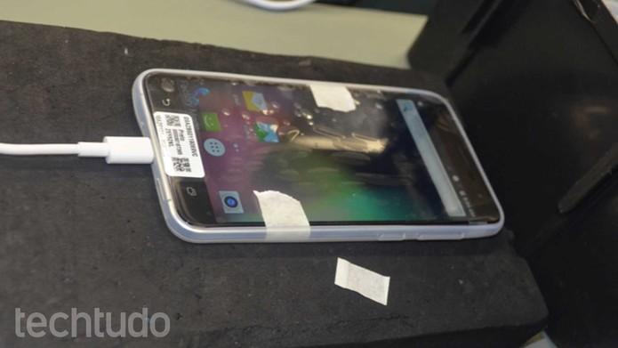 Zenfone 3 tem tela de 5,5 polegadas com resolução Full HD (Foto: Reprodução)