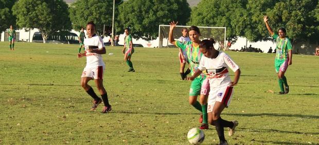 Picos e São Paulo - Copa Piauí Futebol Femino  (Foto: Náyra Macêdo/GLOBOESPORTE.COM)