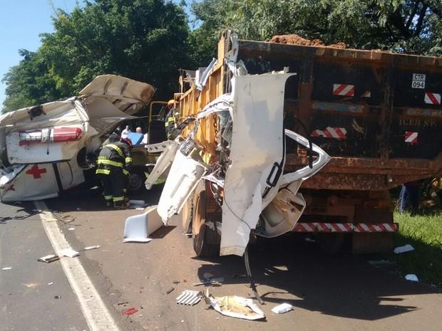 Acidente aconteceu entre Catanduva e Pindorama (Foto: Jorge Luis)