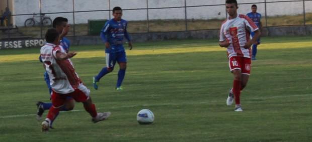 Maycon;4 de Julho; Copa Piauí; futebol (Foto: Náyra Macêdo/GLOBOESPORTE.COM)