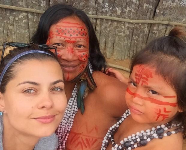 Coleguinha se encanta com crianças de tribo (Foto: Arquivo Pessoal)