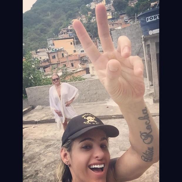 Monique Evans e a namorada (Foto: Reprodução/Instagram)