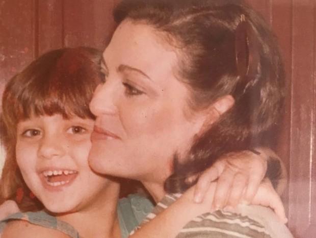 Maria Fernanda Cândido e a mãe, Agda (Foto: Reprodução Instagram)