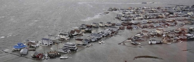 Sandy mata mais de 30 nos EUA e Canadá (U.S.Coast Guard/Reuters)
