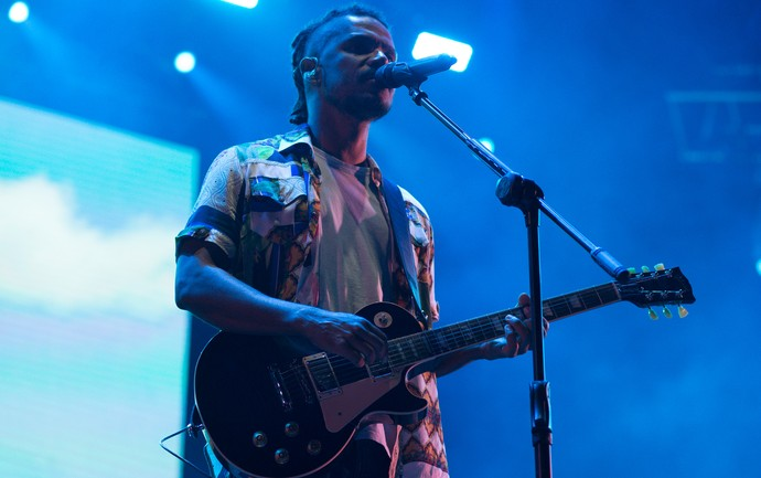 Alexandre Carlo, do Natiruts, comandou o reggae na noite de sábado no João Rock 2016 (Foto: Érico Andrade/G1)