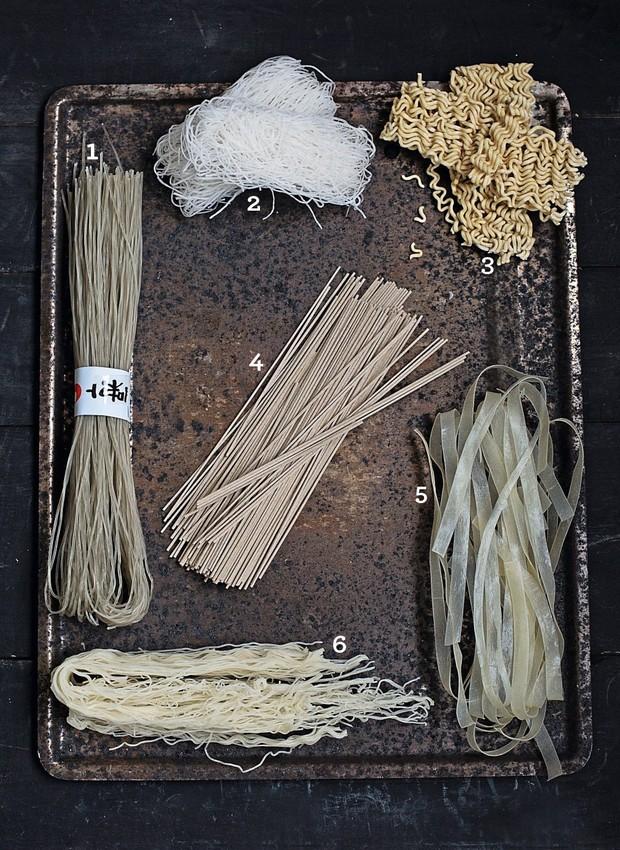 Noodles (Foto: Elisa Correa / Realização Cláudia Pixu / Produção Ellen Annora)