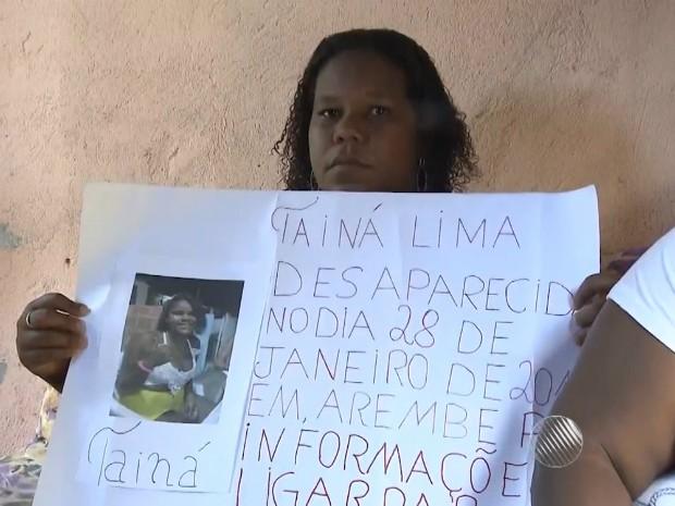 Mãe de uma das jovens fez um apelo: 'Por favor, quem tiver com minha filha, me devolva que eu preciso da minha filha' (Foto: Reprodução/TV Bahia)