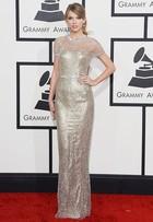 Brilho e metalizado são as apostas das famosas no Grammy Awards
