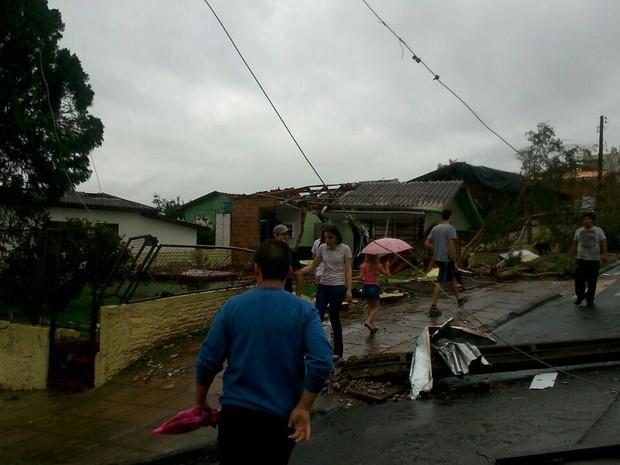 Feridos foram levados para diversos hospitais da região (Foto: Flávio Carvalho/TudosobreXanxerê)