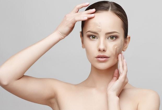 76cc2eb65b742 Dermatologistas ensinam a incluir o protetor solar na rotina de beleza