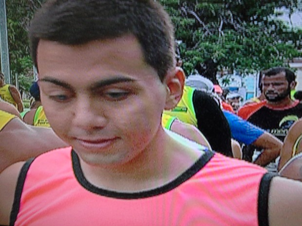 Deficiente visual conseguiu completar todo o percurso da prova (Foto: Gilberto Morais/Inter TV)
