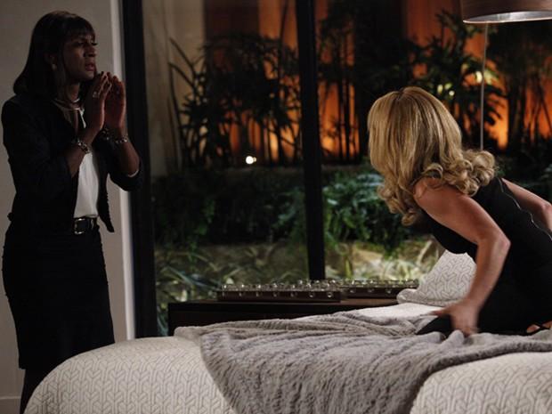 Pamela chama Dorothy e descobre que ela também sabia do caso  (Foto: Raphael Dias / TV Globo)