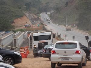 Criminosos roubam 75 quilos de explosivos de obra da Tamoios (Foto: Carolina Teodora/G1)