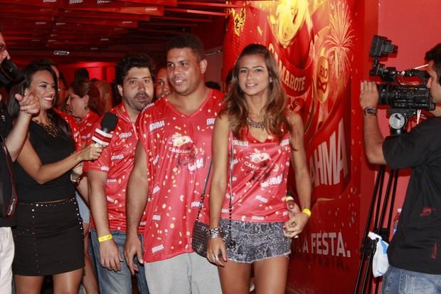 Ronaldo e Paula Moraes (Foto: Movimento Fixo/AgNews)