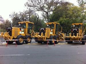 Presidente Dilma entregou 57 máquinas motoniveladoras a prefeituras municipais com até 50 mil habitantes (Foto: Felipe Truda/G1)