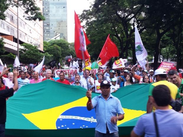 Protesto em Belo Horizonte chega a Avenida Afonso Pena, em Belo Horizonte (Foto: Humberto Trajano/G1)