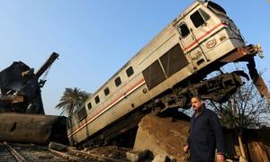 Acidente de trem no Egito deixa dezenas de feridos