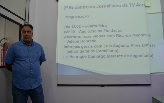 Editor de jornalismo da Rede Amazônica, Luís Augusto, abriu o evento nesta quarta (12) (Foto: Thiago Cabral)