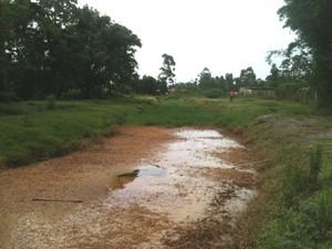 Cerca de 12 mil litros de óleo vazaram de dois transformadores da Celesc (Foto: Celesc/Divulgação)