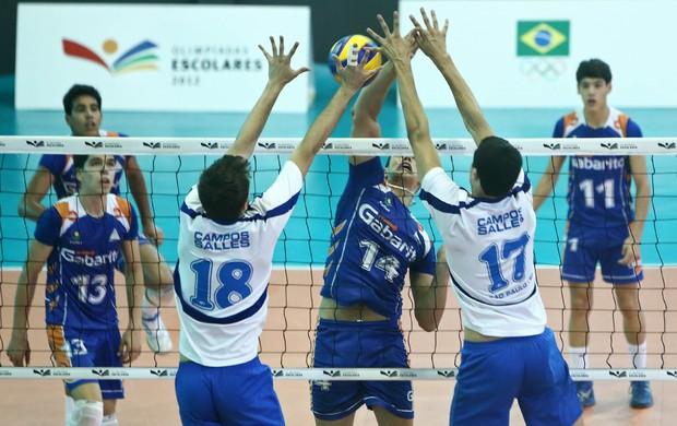 Jogadores do Colégio Campos Salles no bloqueio vôlei Olimpíadas Escolares (Foto: Heuler Andrey/AGIF/COB)