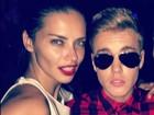 Justin Bieber tieta Adriana Lima e usa letra de sua música na legenda