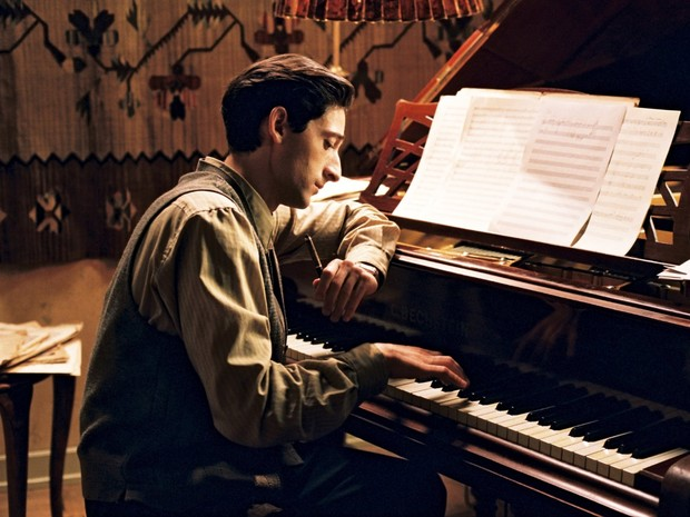 O ator Adrien Brody como o músico Wladyslaw Szpilman em cena de 'O Pianista' (Foto: Divulgação)