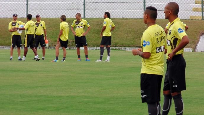 Luciano Amaral e Gleidson - laterais do ABC (Foto: Klênyo Galvão/GloboEsporte.com)