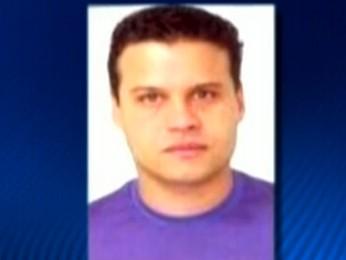 Piloto preso com cocaína no helicóptero no Espírito Santo (Foto: Reprodução TV Globo)
