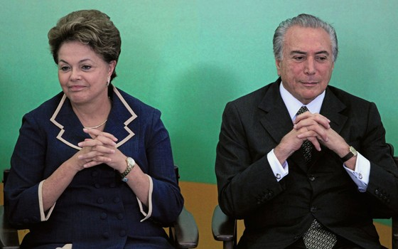 A ex-presidente Dilma Roussef e o presidente Michel Temer (Foto:  Ueslei Marcelino / Reuters)