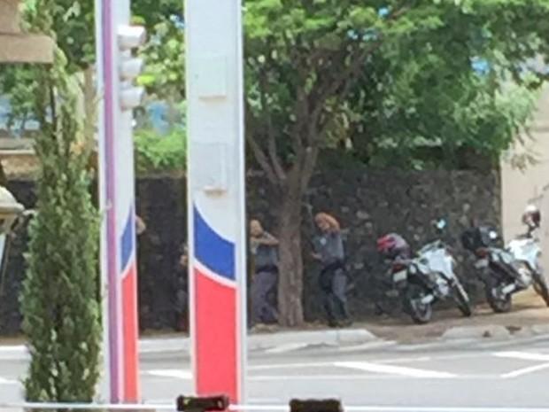 Assaltantes tentaram roubar carro forte (Foto: Arquivo Pessoal)