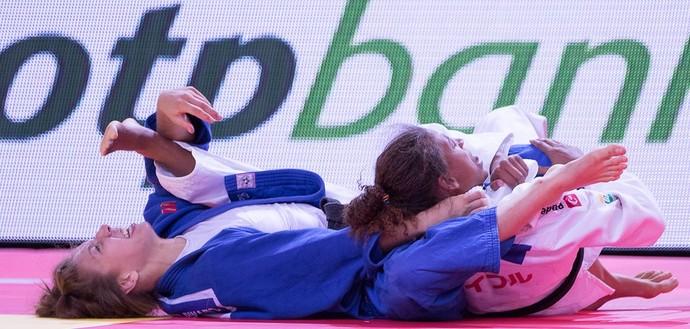 Rafaela Silva x Catherine Beauchemin-Pinard Mundial de Astana judô (Foto: Rafal Burza/CBJ)