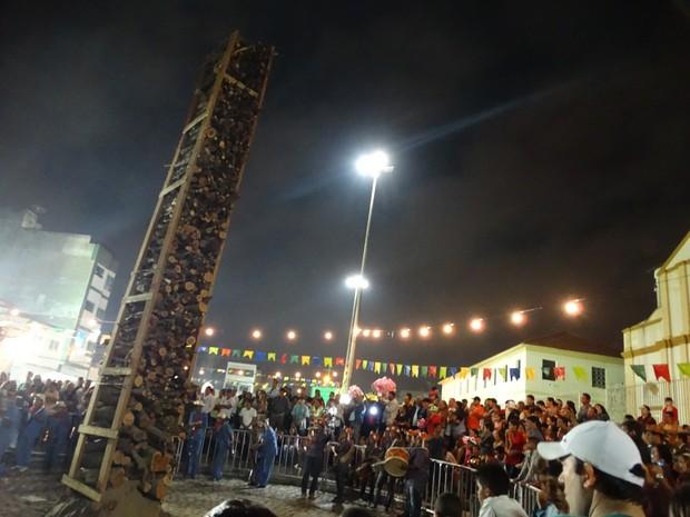 Fogueira Gigante em festa (Foto: André Hilton / TV Asa Branca)