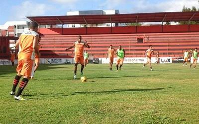 Treino do Campinense no Estádio Renatão (Foto: Divulgação / Campinense)