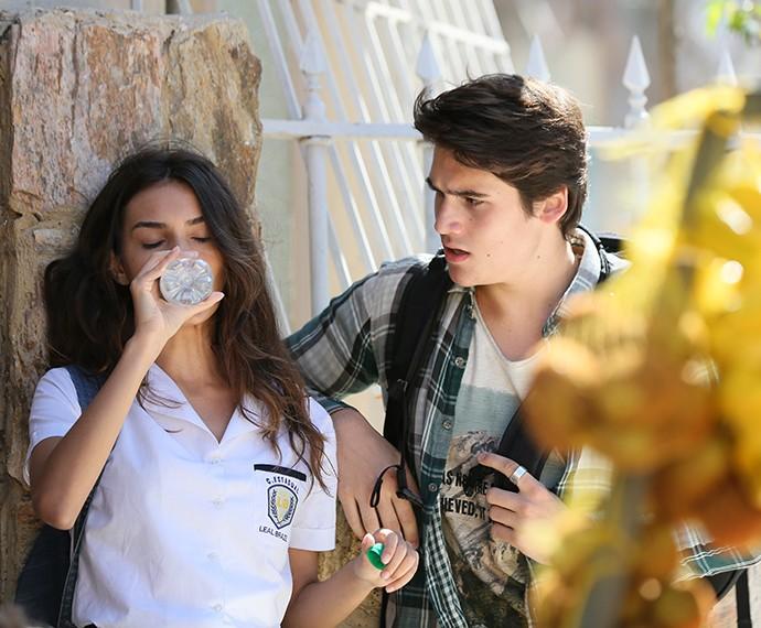 Rodrigo ajuda Luciana a se recuperar  (Foto: Isabella Pinheiro/Gshow)