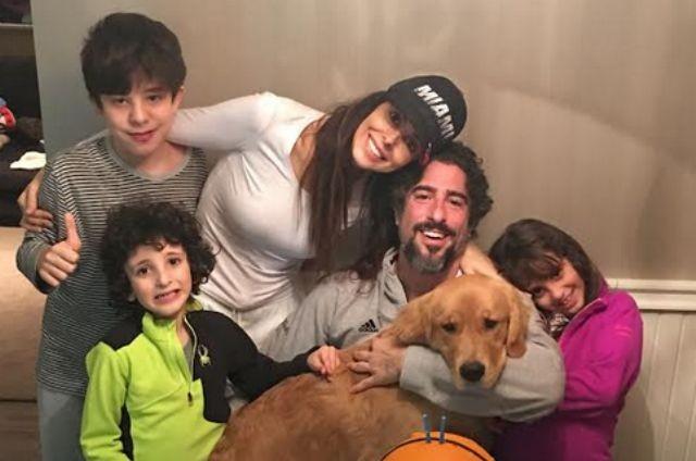 Marcos Mion com a família (Foto: Arquivo pessoal)