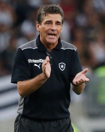 Eduardo Hungaro, Botafogo x Union Espanola (Foto: Ivo Gonzalez/Agência O Globo)