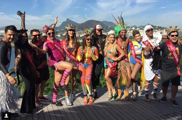 Anitta leva famosos para Bloco das Poderosas (Foto: Reprodução / Instagram)