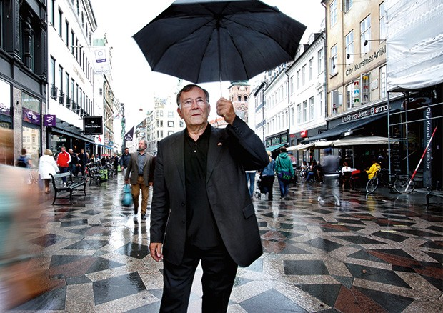 """Inspiração;Vida;Cultura;Comportamento;a escala humana Gehl, no calçadão de Copenhage, o Stroget, criado por ele, em 1965: """"São as pessoas que dão sentido às cidades"""" (Foto: Sandra Henningsson/Gehl Architects)"""
